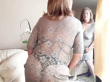Granny in lace and pearls masturbating! Mature bbw woman, hairy pussy